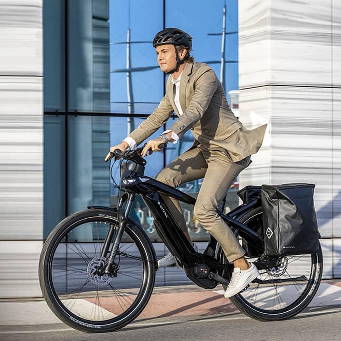 C Mobilités, vendeur de cycles à Chambéry, commercialise des vélos neufs et d'occasion pour tout type d'utilisation : trajets domicile-travail, balades en famille, pratique sportive.