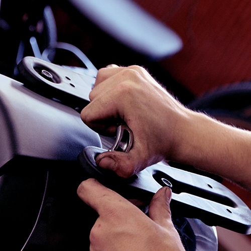 L'atelier, concessionnaire et marchand de cycles CMobilités, situé à Chambéry, est spécialisé dans la révision, l'entretien et la réparation de scooters, vélos, motos et trottinettes toutes marques.