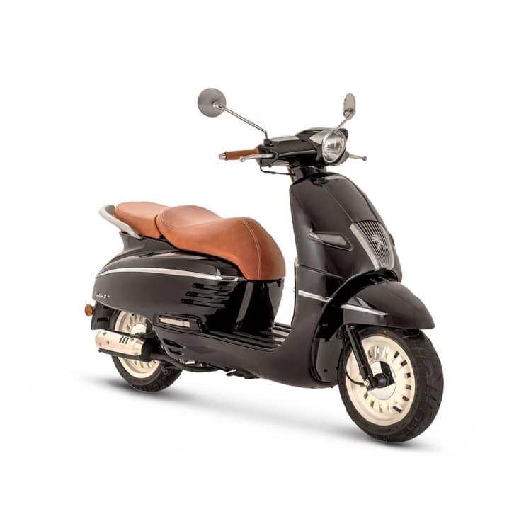 À la recherche d'un scooter au look rétro ? Découvrez le Django 50 de chez Peugeot Motocycles chez C Mobilités.