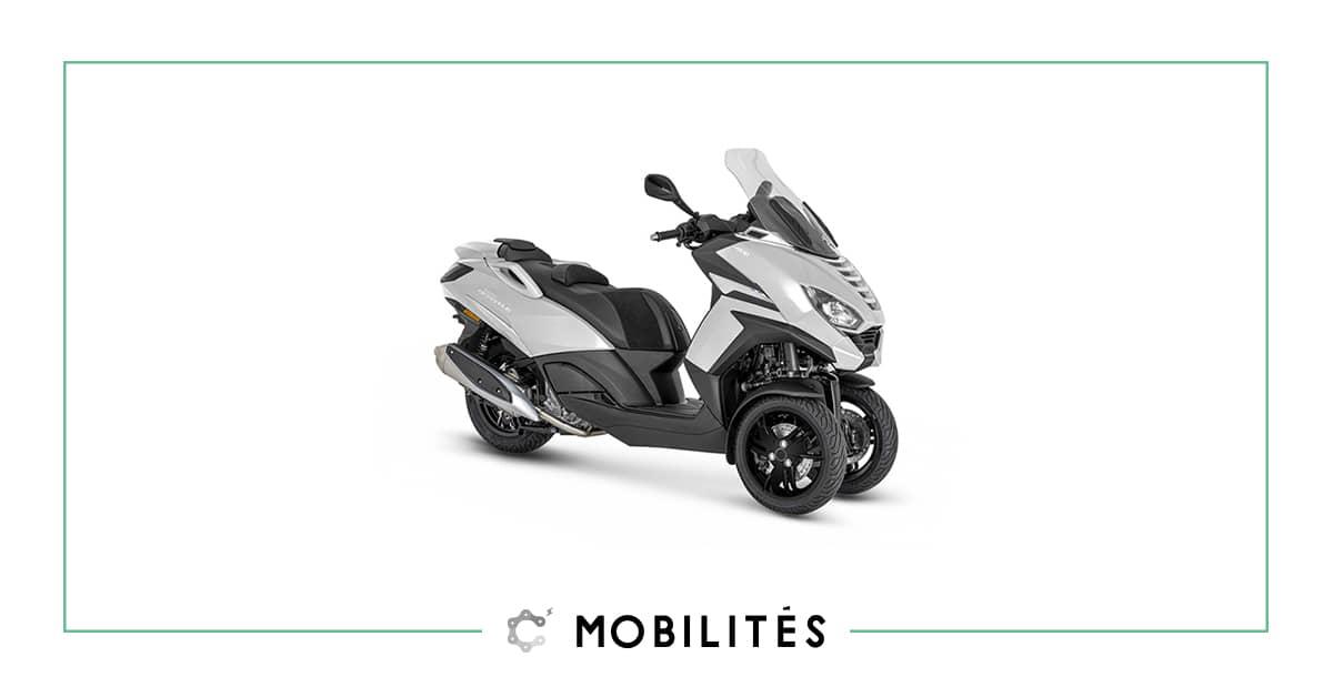 À la recherche d'un scooter trois roues ? Découvrez le Métropolis Active de chez Peugeot Motocycles disponible chez C Mobilités.