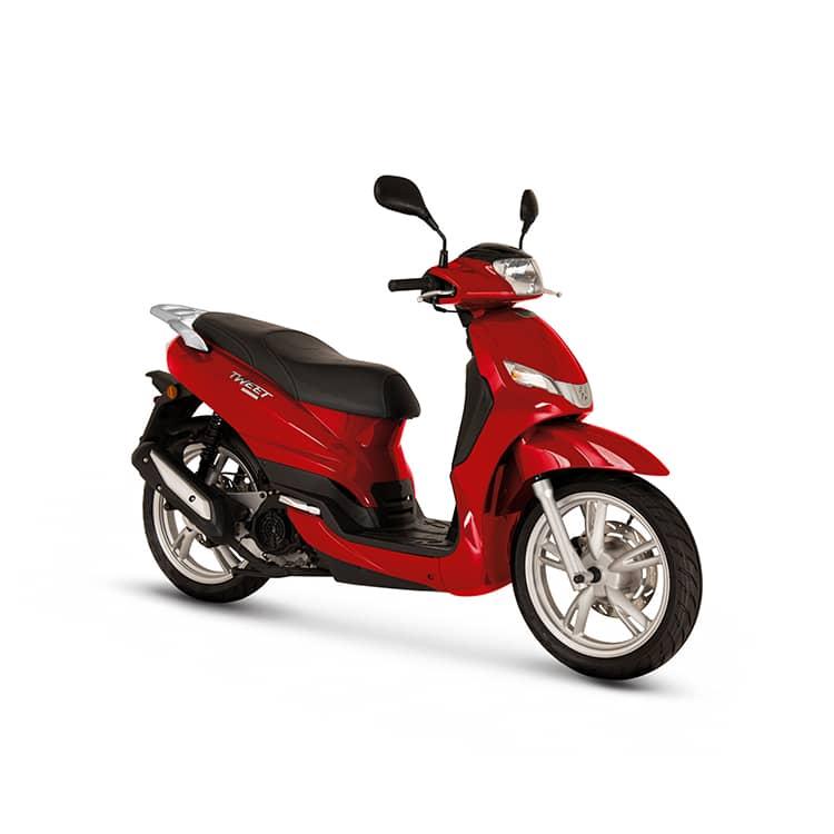 À la recherche d'un scooter léger et maniable ? Découvrez le Tweet 50 de chez Peugeot Motocycles disponible chez C Mobilités, à Chambéry.