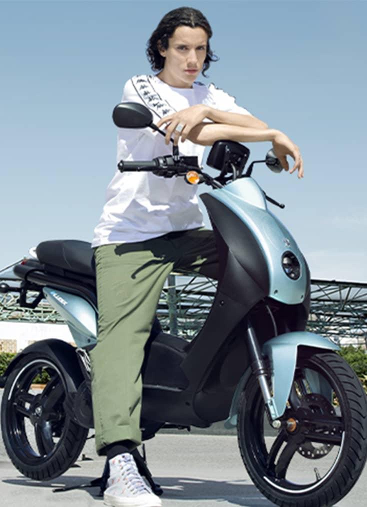 À Chambéry, le concessionnaire C Mobilités commercialise les scooters électriques et les scooters essence de la marque française Peugeot Motocycles, réputés pour leur excellent rapport qualité-prix.